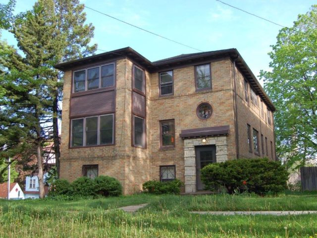 2140 Kendall Ave. B – Available 8-15-2021