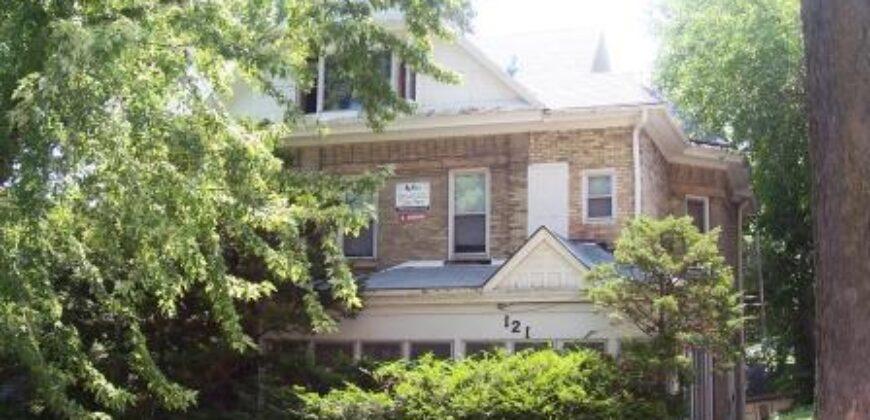 121 East Gilman St. #3 – Summer Sublet